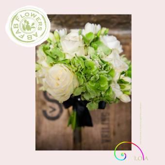 Wedding bouquets 605